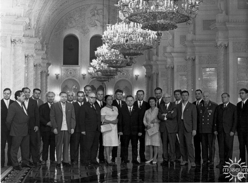 Delegation of Belarusian writers at the Fifth Congress of Writers of the USSR. A. A. Savitskiy is the fifth from the right. 1971