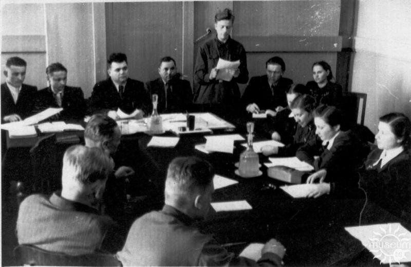 At ​​a meeting of the Nadzvinne Literary Association of Polotsk in the Oblast Party Committee. 1950s